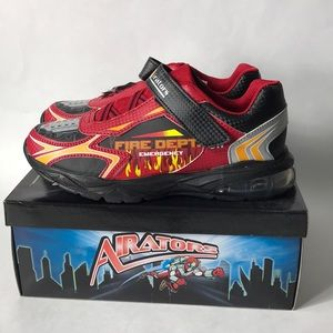 Airators sneakers size 4